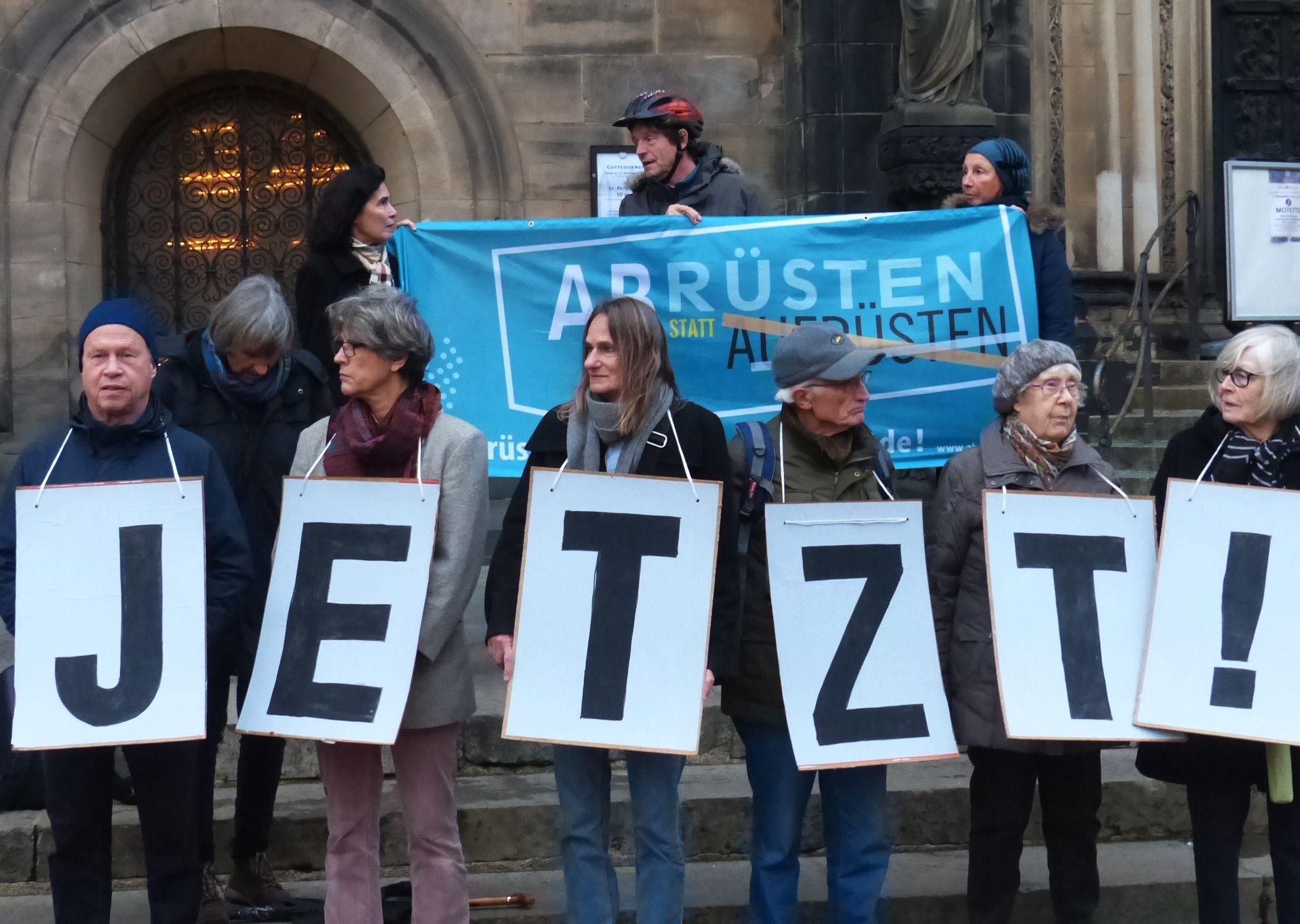 Abruesten-Aktion-Bremer-Friedensforums