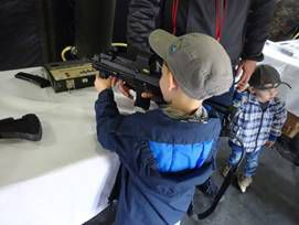 Bundeswehr ließ Kinder an Handfeuerwaffen