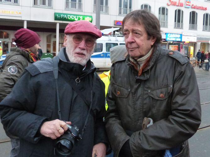 Demo Bremen gegen Erdogans voelkerrechtswidrigen Krieg