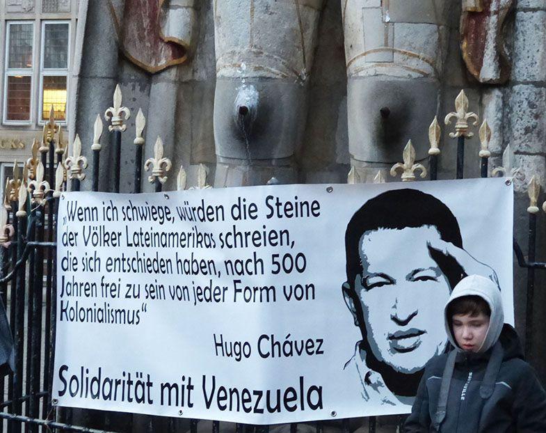 Kundgebung Hände weg von Venezuela
