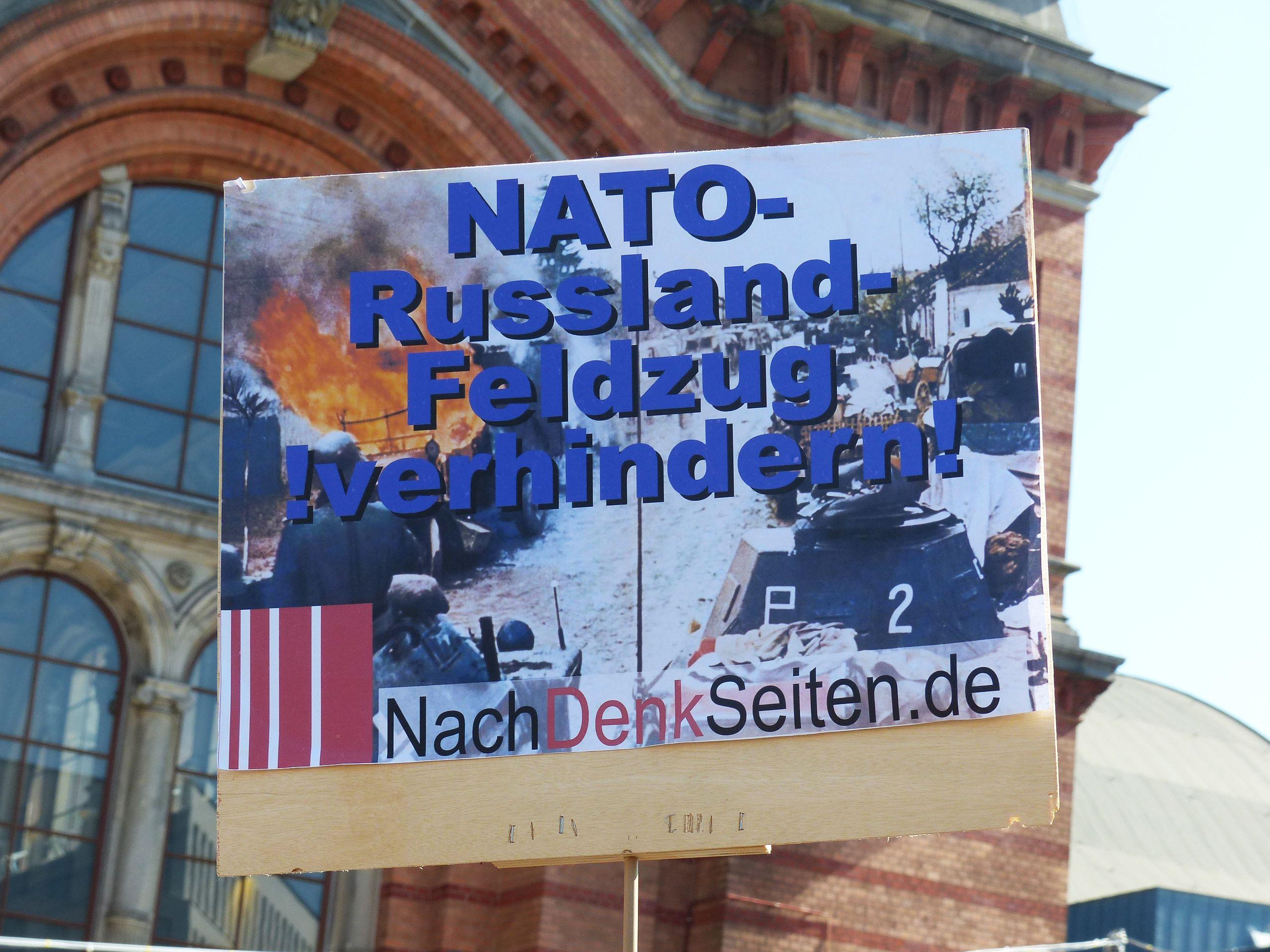 Plakat beim Ostermarsch