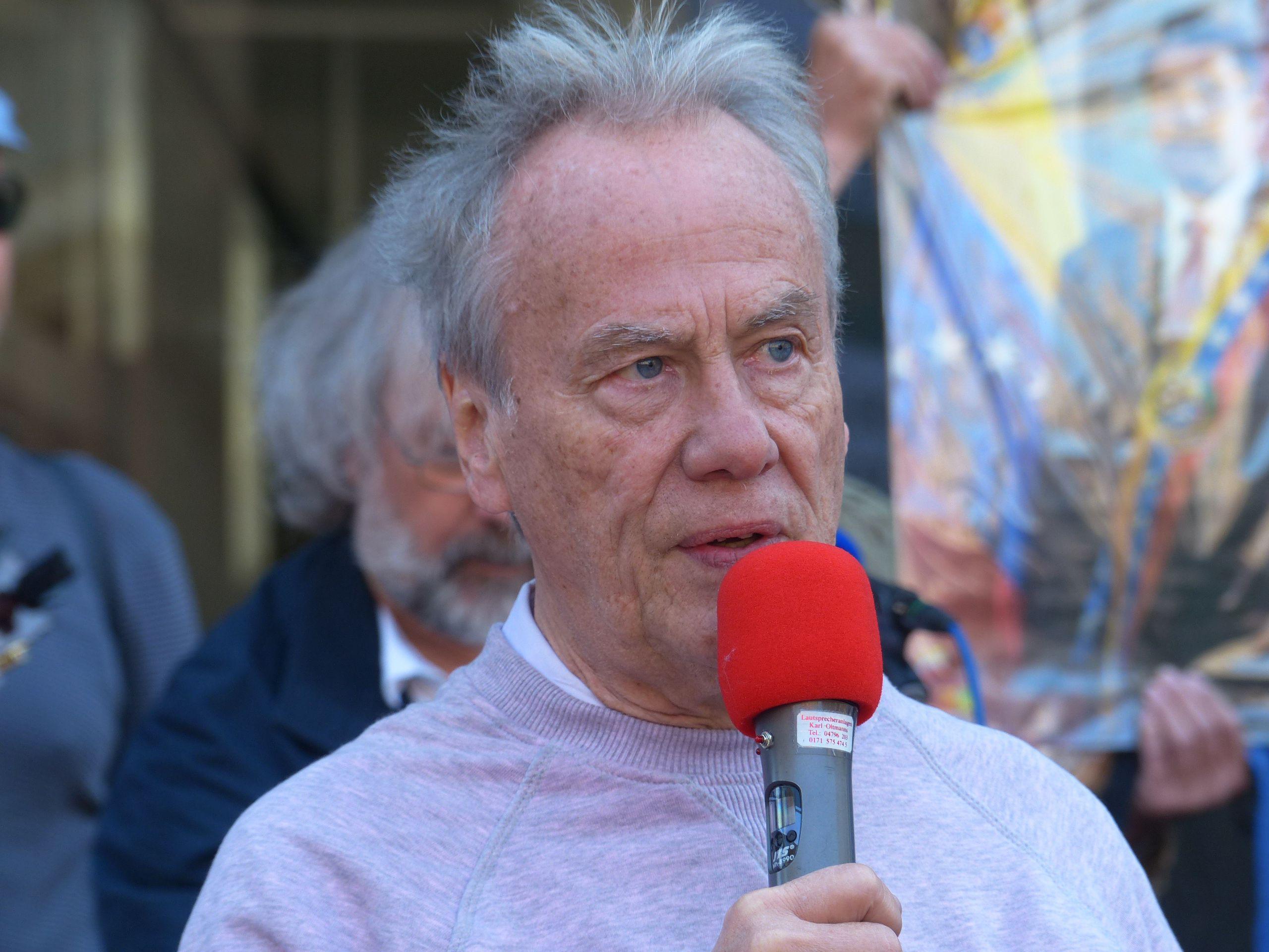 Redner beim Ostermarsch